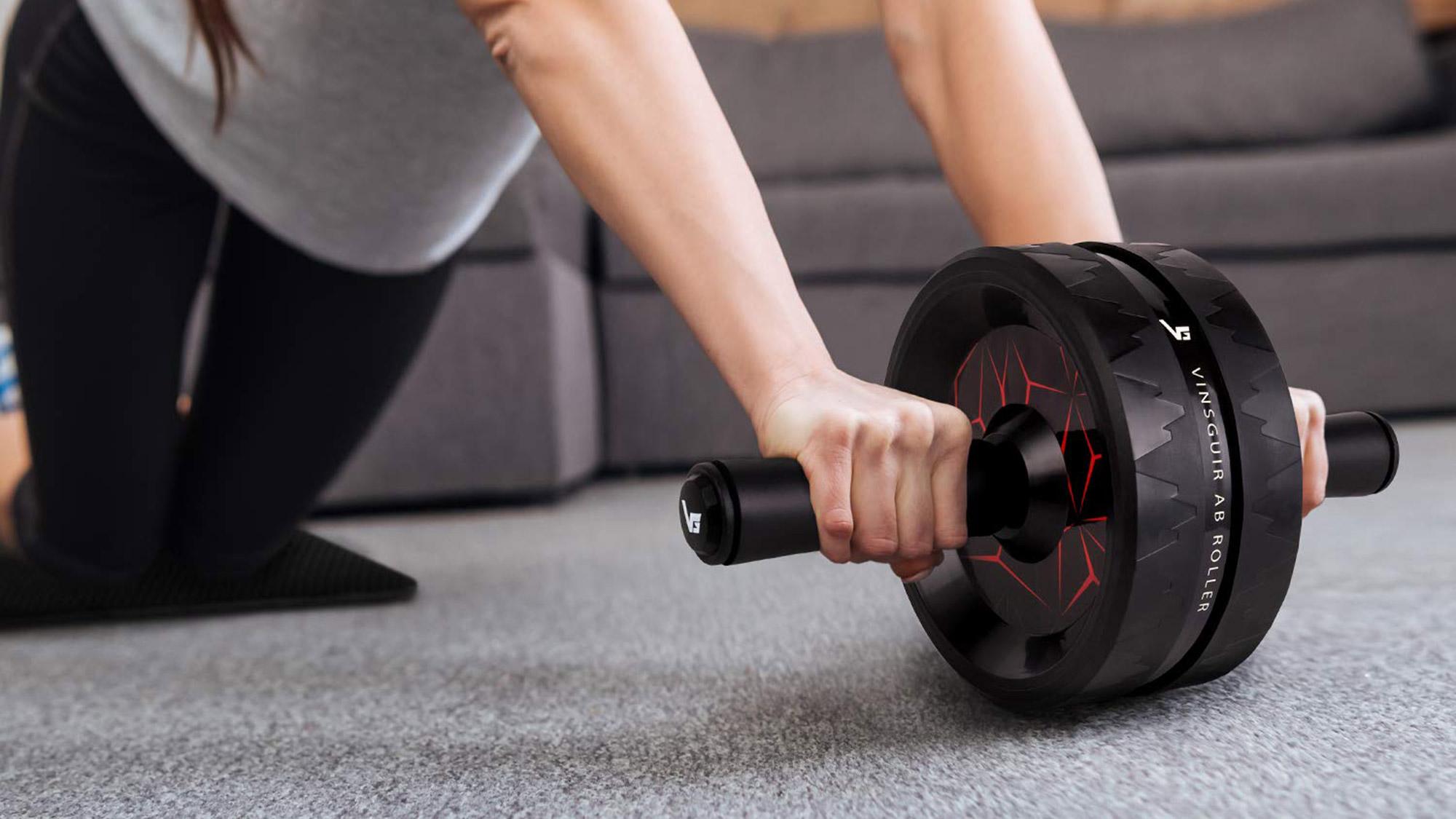 Best home gym equipment: Vinsguir Ab Roller