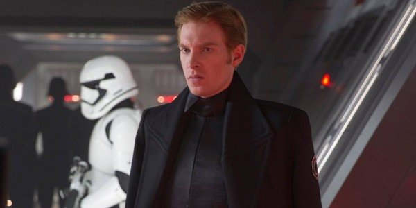 One Star Wars Actor Was Surprised His Character Survived In The Last Jedi