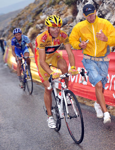 Alejandro Valverde dropped, Vuelta a Espana 2009, stage 14