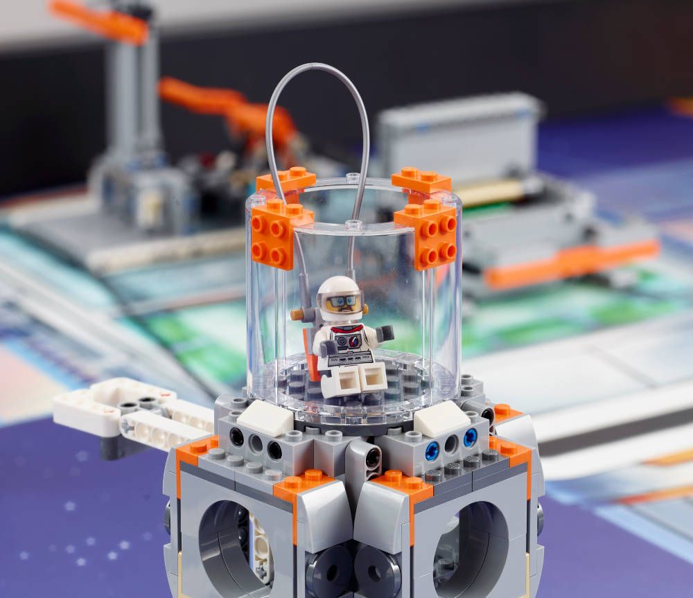 Space-Themed Sets for New FIRST LEGO League Jr  and FIRST