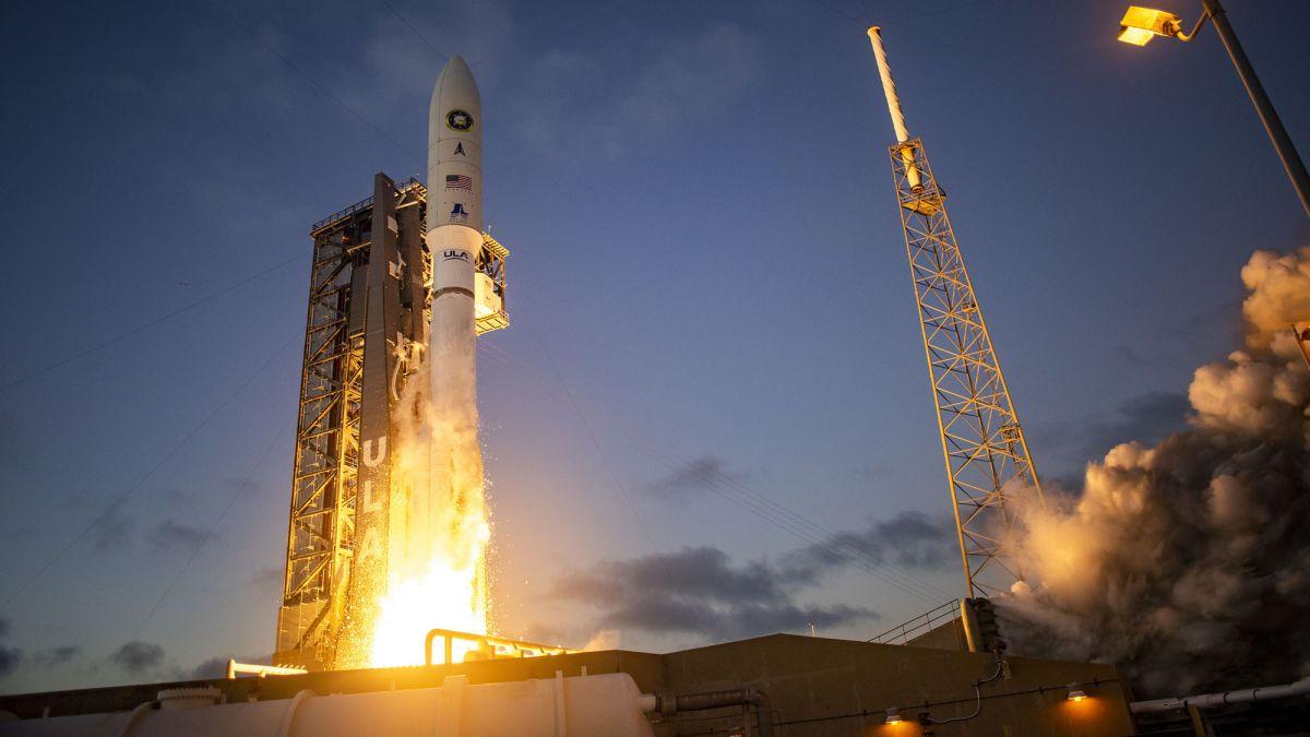 Atlas V rocket launches NROL-101 spy satellite to orbit