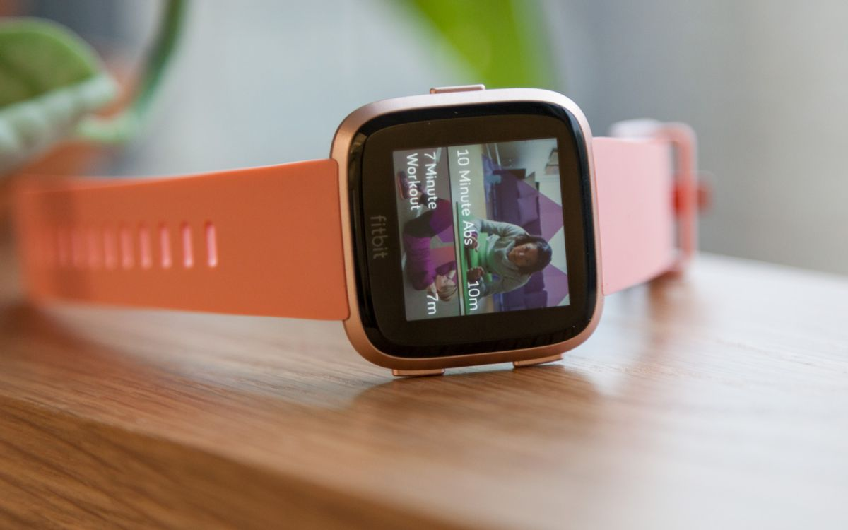 Fitbit Versa Review: The Best Smartwatch Under $200 | Tom's Guide