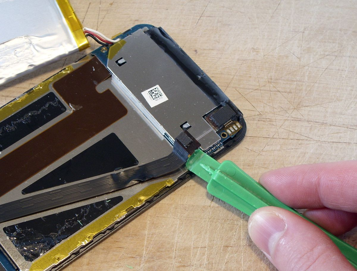 How To Replace Your Ipod Touch Battery Techradar Baterai 5