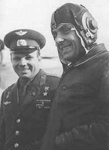 Yuri Gargarin (left) with Vladimir Komarov