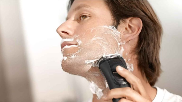 Best electric shaver: Philips Philishave S3561 Series 3000 Heritage Edition Wet & Dry Electric Shaver