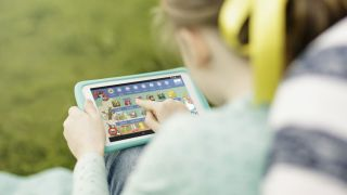 Want a tablet for your kids? How about the EE Robin?