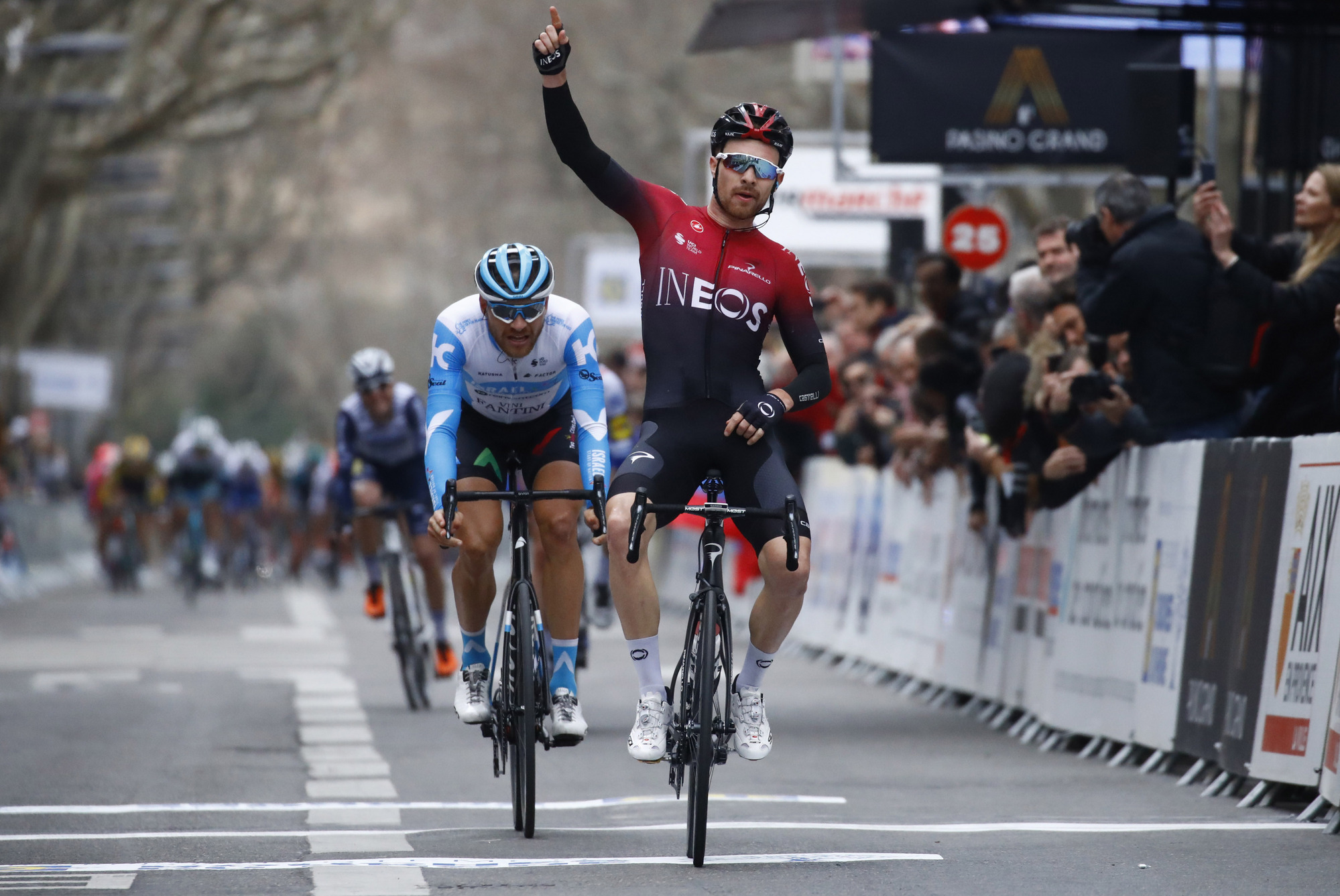 Tour de la Provence 2020 - 5th Edition - 4th stage Avignon - Aix-en-Provence 170,5 km - 16/02/2020 - Owain Doull (GBR - Team Ineos) - Matthias Brandle (AUT - Israel Start-Up Nation) - photo Luca Bettini/BettiniPhoto©2020