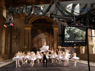 3D is like dancing, says Scorsese (cue stock image of dancers in 3D)