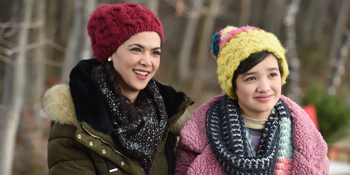 Lilan Bowden and Peyton Elizabeth Lee in Andi Mack
