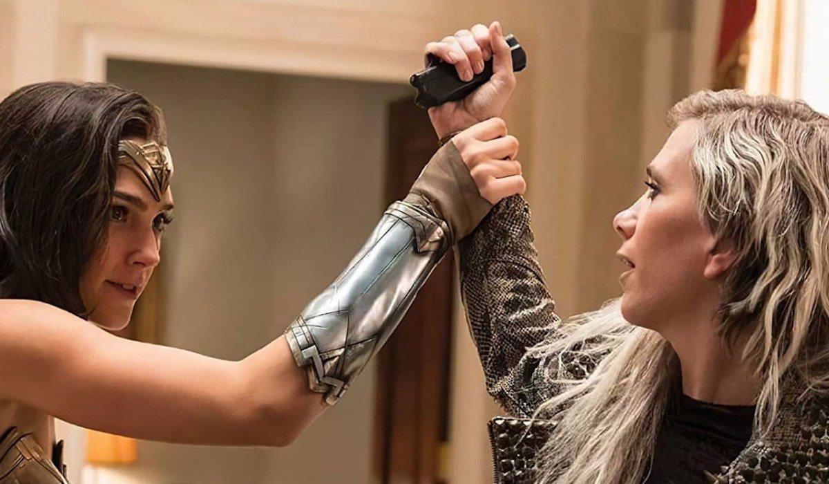 Gal Gadot and Kristen Wiig in Wonder Woman 1984