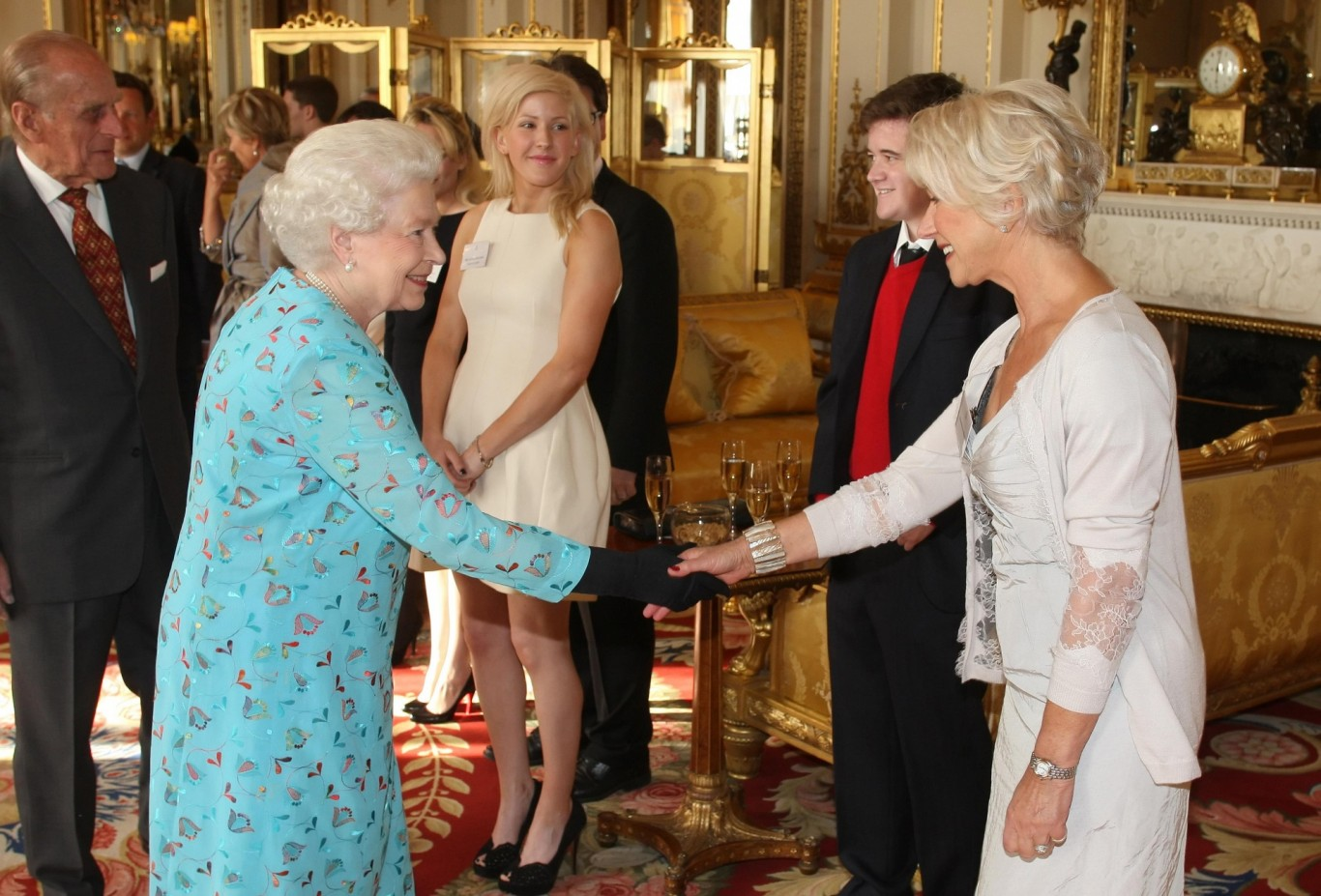Helen Mirren meeting The Queen  at Buckingham Palace in 2011