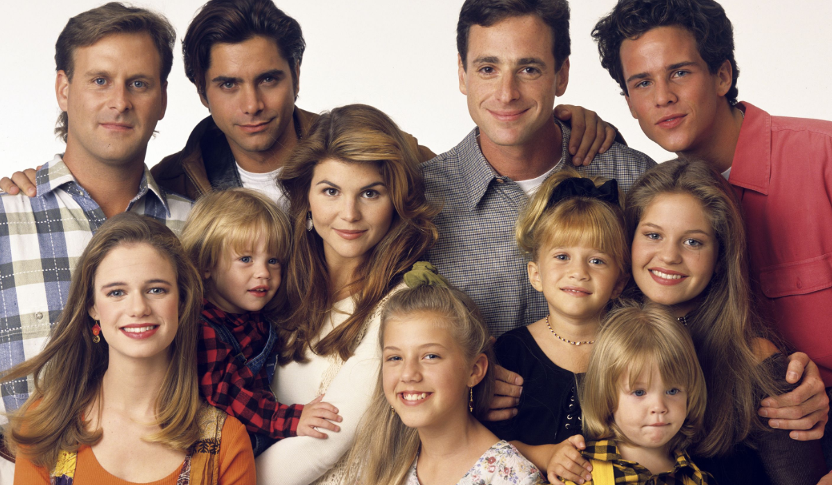 Full House Dave Coulier Andrea Barber John Stamos Blake Tuomy-Wilhoit Lori Loughlin Jodie Sweetin Bob Saget Mary-Kate Ashley Olsen Candace Cameron Bure Scott Weinger Dylan Tuomy-Wilhoit