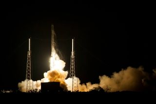 SpaceX CRS-5 Liftoff