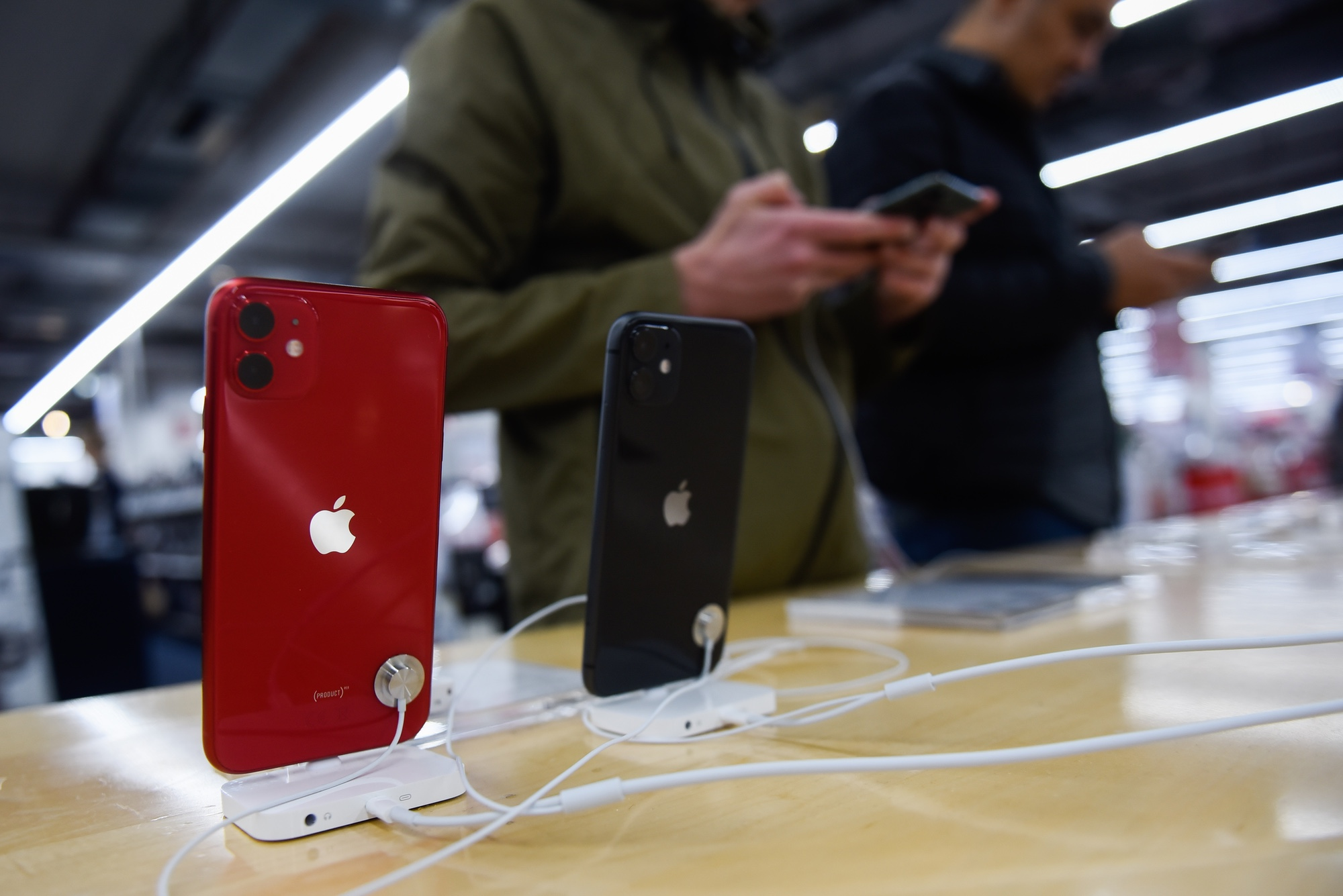 The Best Iphone Cyber Monday Deals Iphone 11 Iphone Pro And More Tom S Guide