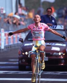 Marco Pantani wins at Montecampione during the 1998 Giro d'Italia.