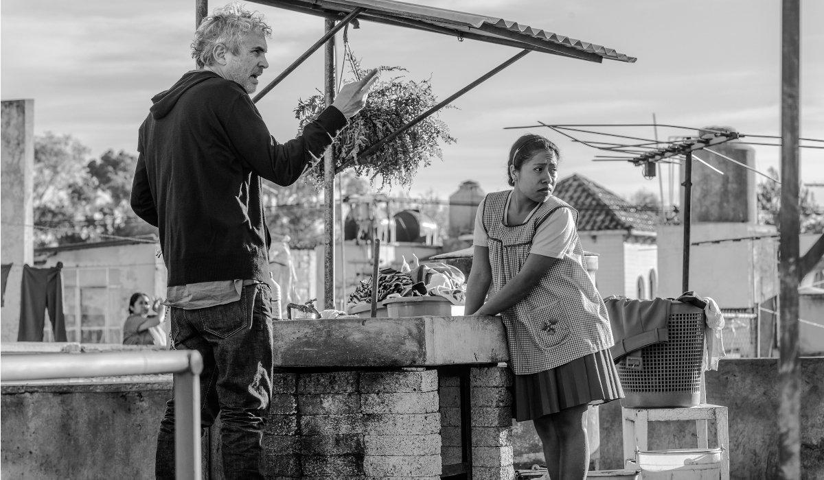 Roma Alfonso Cuaron talks Yalitza Aparicio through a scene