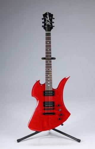 slash auctions guitars vehicles clothing and dinosaurs musicradar. Black Bedroom Furniture Sets. Home Design Ideas