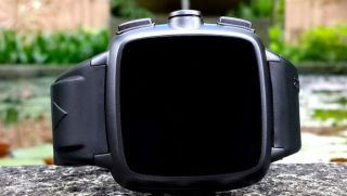 Omate smartwatches will soon become your next wallet