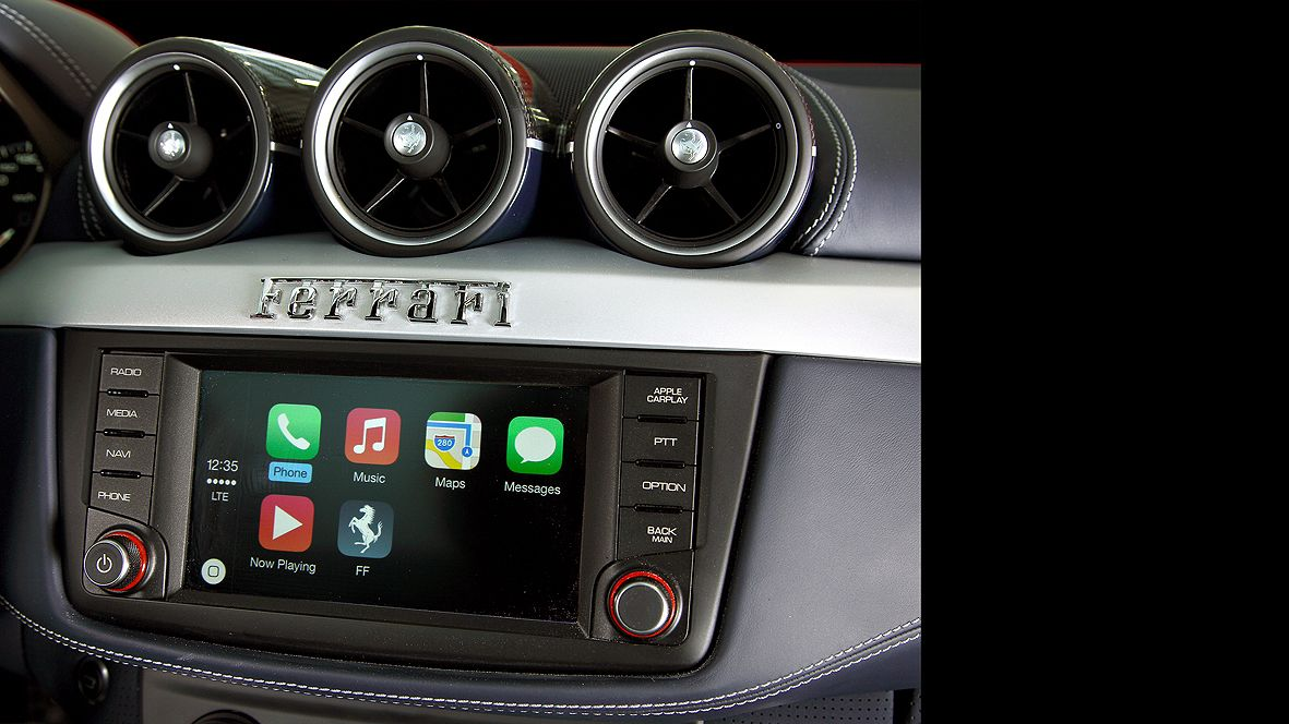 Apple CarPlay review: in a £232,000 Ferrari California FF ...