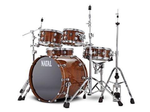 Chunky mounting hardware and 2.3mm triple-flanged hoops give the drums a positively weighty feel.
