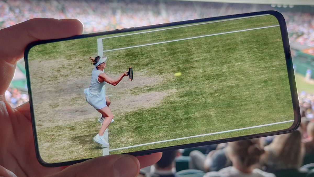 How to master sports photography on a smartphone
