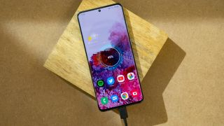 Samsung Galaxy S20 Ultra charging