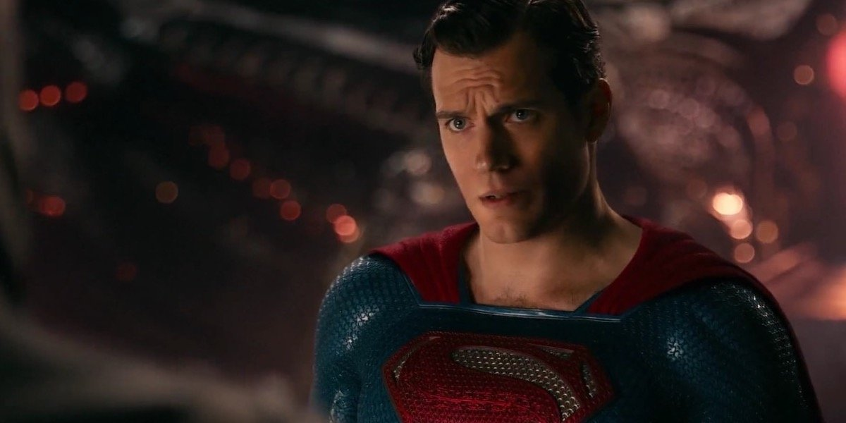 Ryan Reynolds Trolls Henry Cavill's Justice League Mustache Fiasco; Cavill Responds