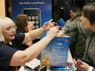 Apple iPhone on sale in UK O2 store