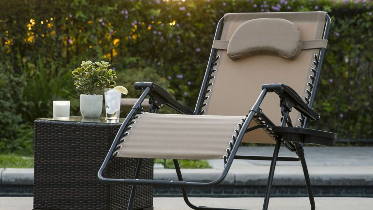 Walmart patio furniture: Oversized Lounge Patio Chair