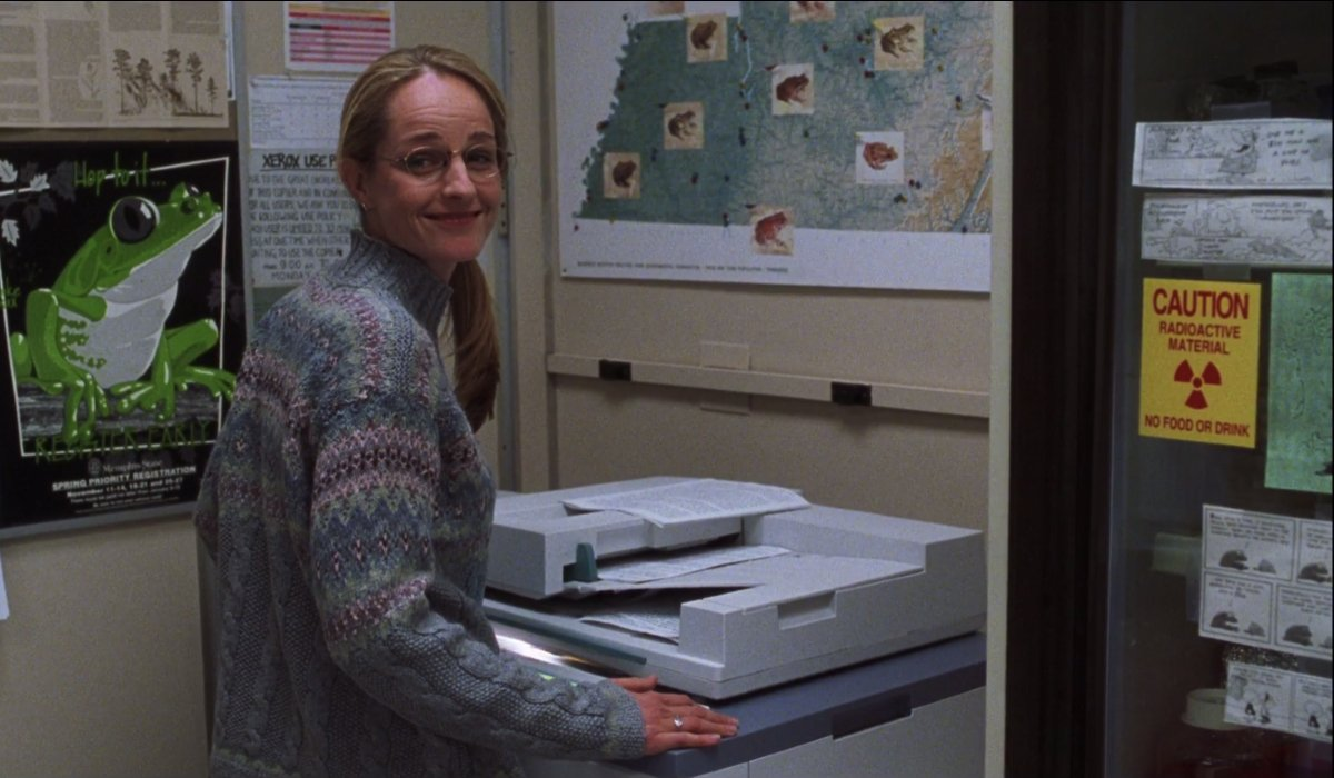 Cast Away Helen Hunt smiling at the copy machine