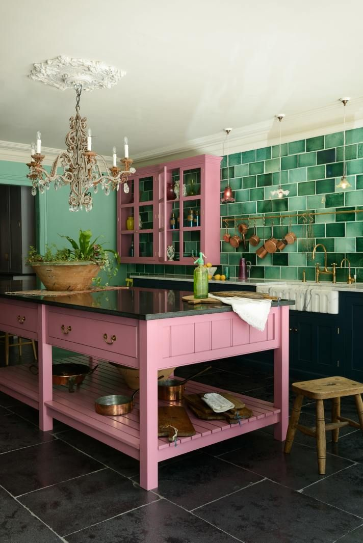 deVOL pink and green kitchen