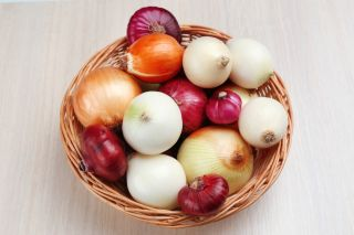 A basket full of onions