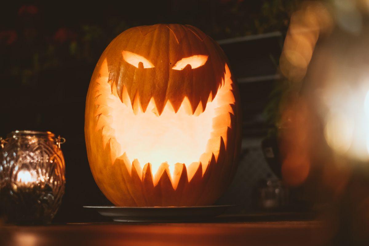 Carve your Jack-O-Lanterns like a pro