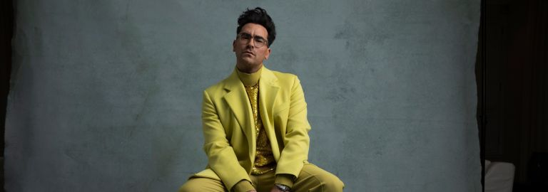 Dan Levy at the Golden Globes 2021