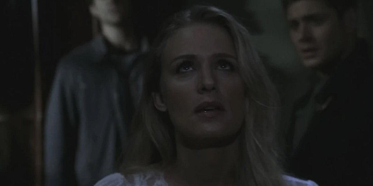 Samantha Smith as Mary Winchester in Supernatural