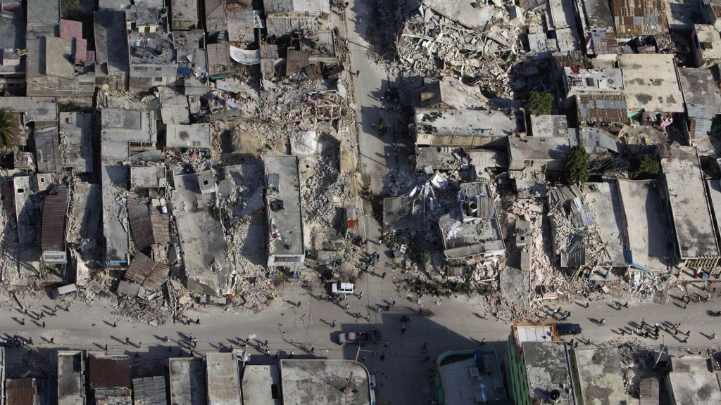 GPS satellites can provide faster alerts when big earthquakes strike, scientists say