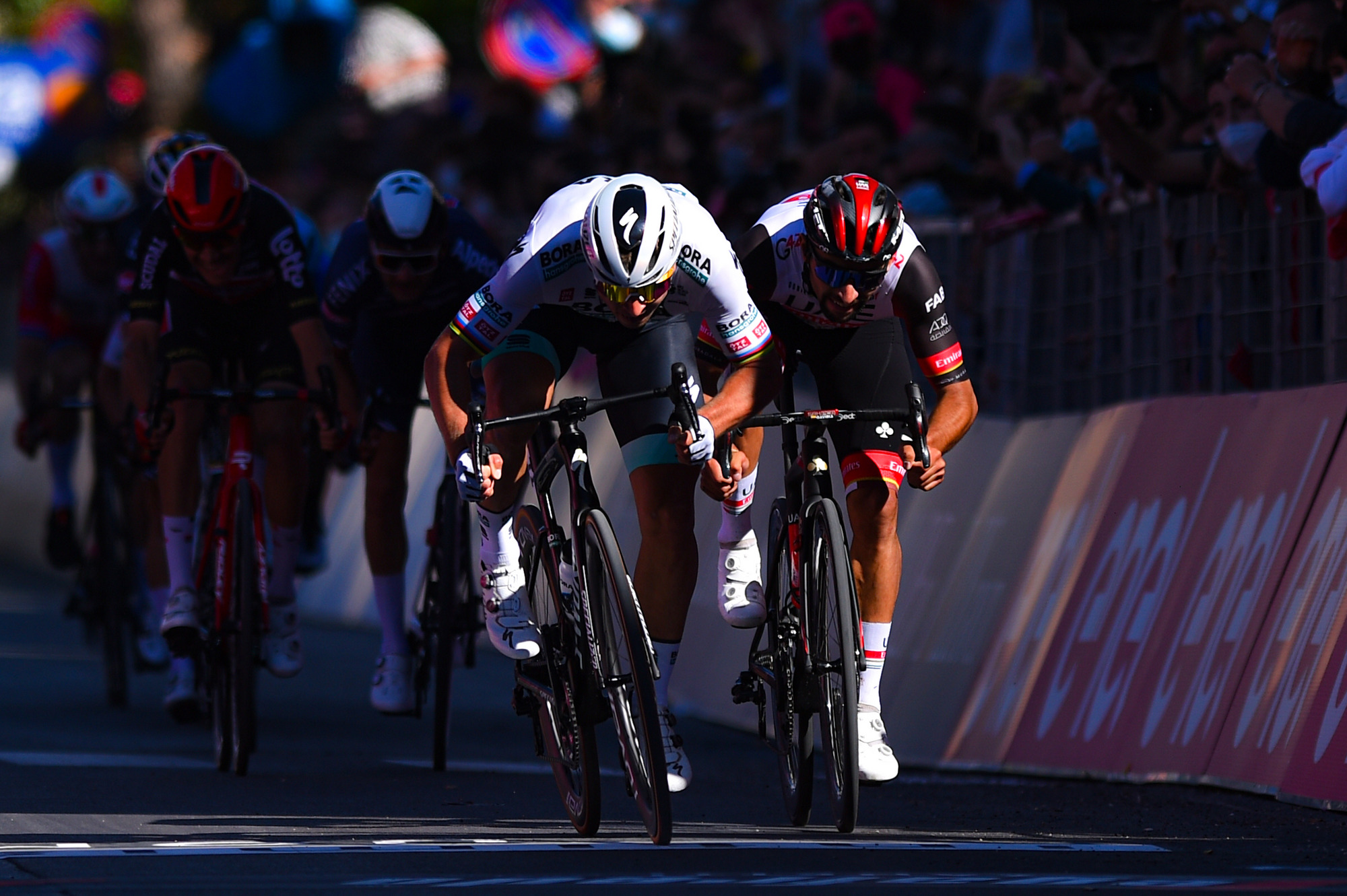 Peter Sagan sprints to stage 10 victory at Giro d'Italia