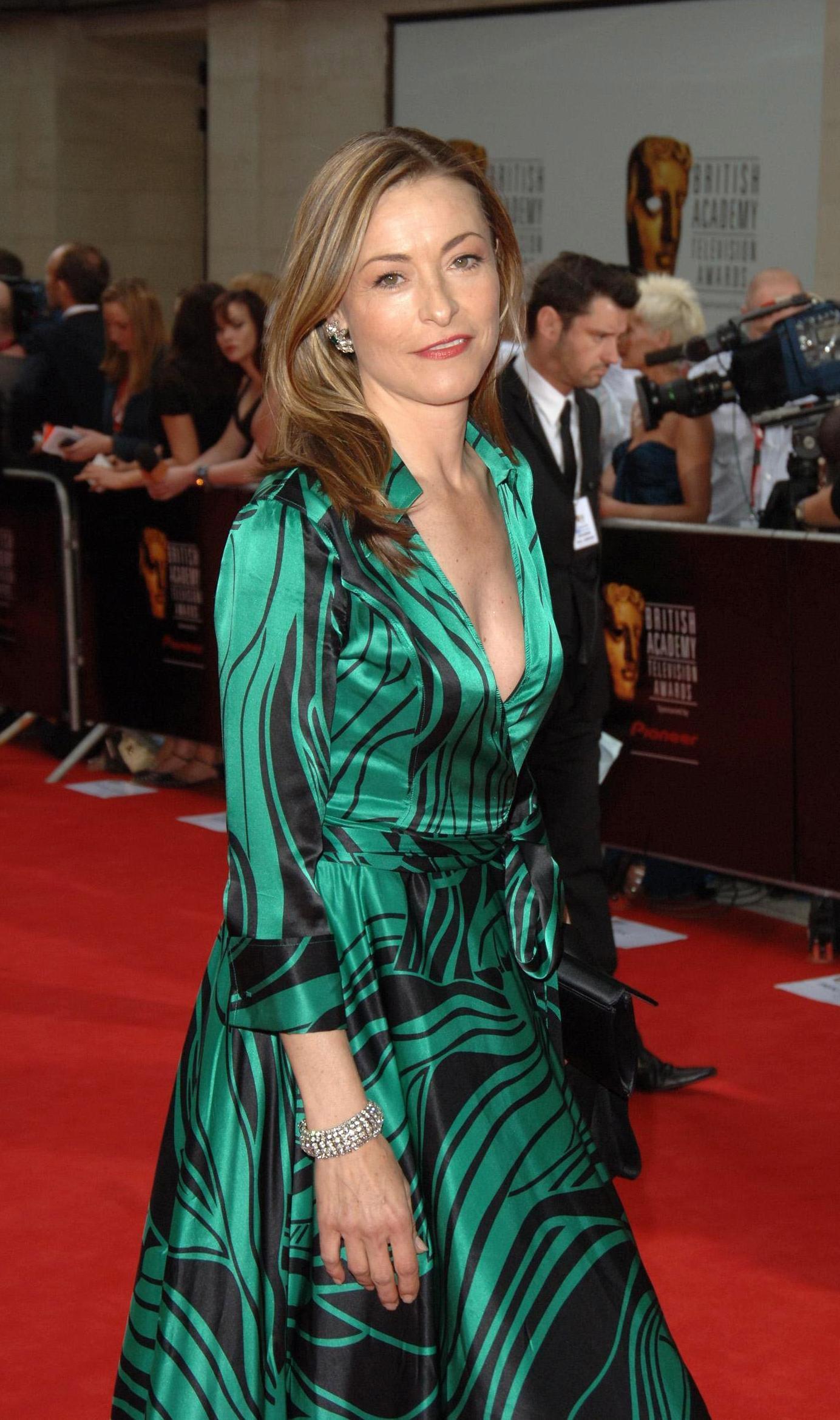 Amanda Donohoe Pics amanda donohoe: 'actors are snobby about soap' | news