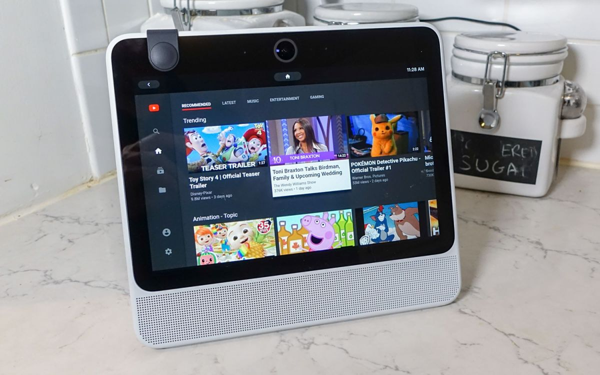 Facebook Portal Review: A Not-So-Smart Display | Tom's Guide