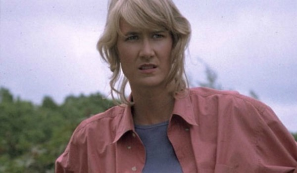 Watch Laura Dern Get Grilled About Star Wars, Answer Using Spoiler Faces