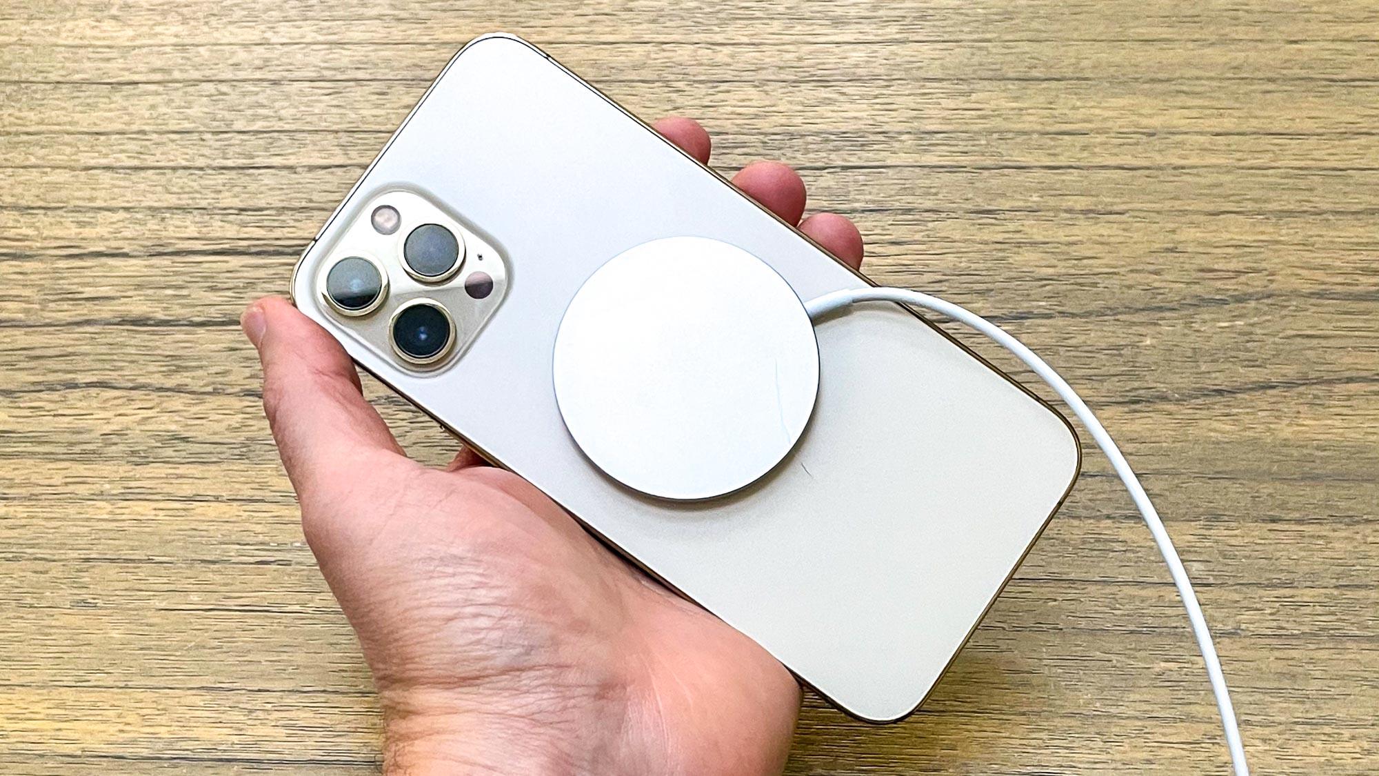 iPhone 12 Pro Max MagSafe