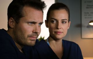 ollie mourns tara in holby city