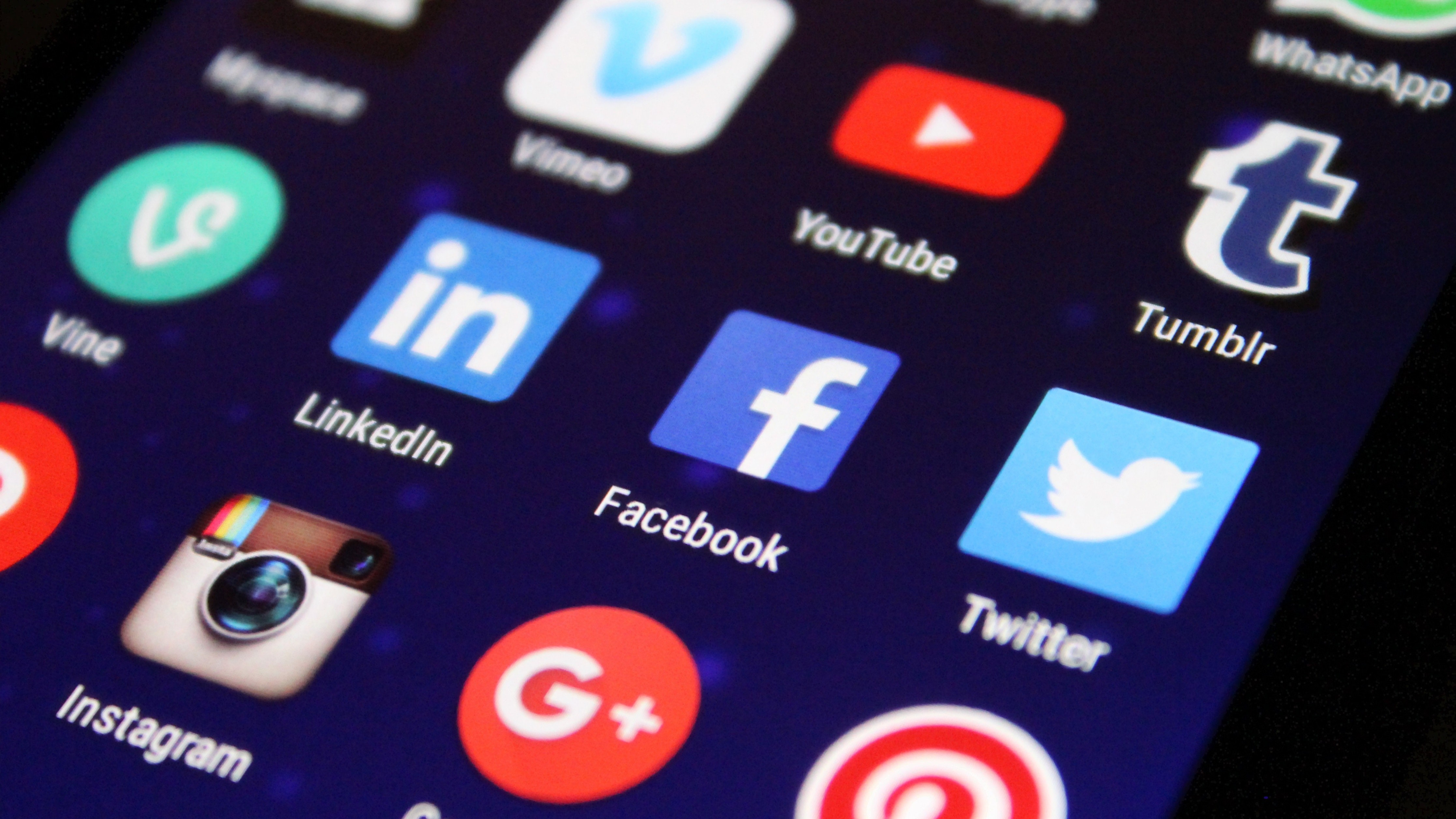 Facebook, Twitter on collision course with Indian govt over new social media norms