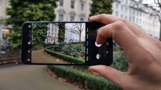 Honor's latest phone puts the camera front and centre – and offers a few more great surprises, too.