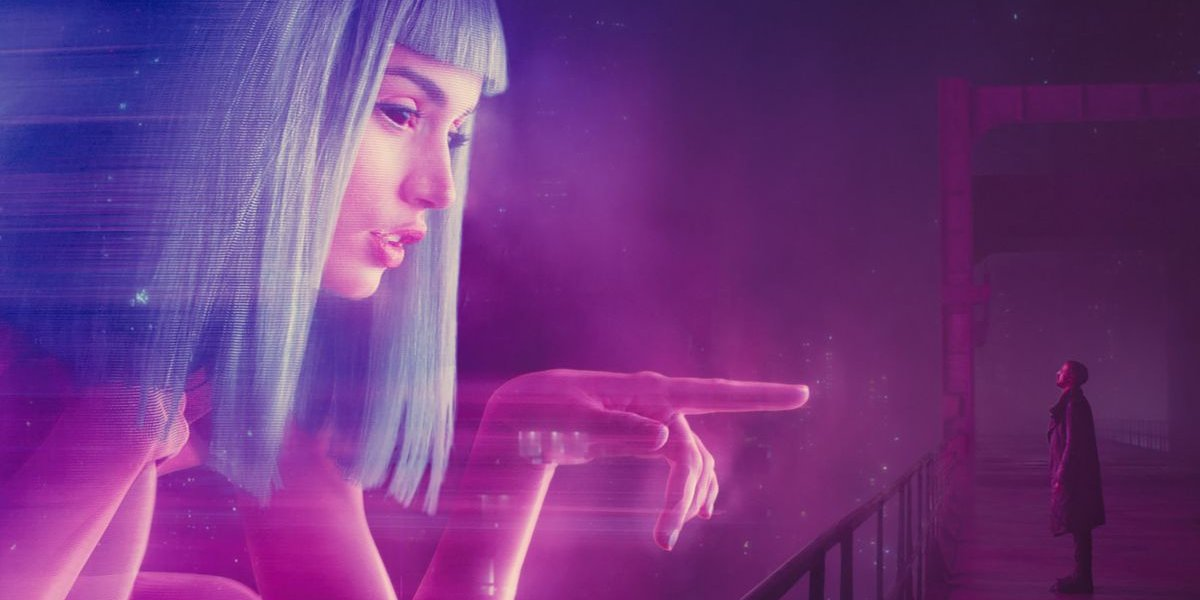 Blade Runner 2049 A hologram points out to Officer K