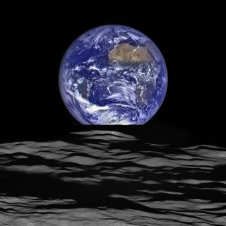 New 'Earthrise' Photo from NASA Moon Probe