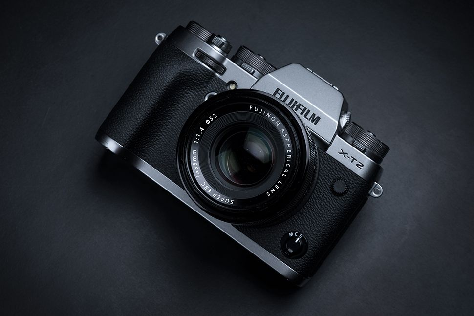 Looking for the best price on the Fuji X-T2? We've got it