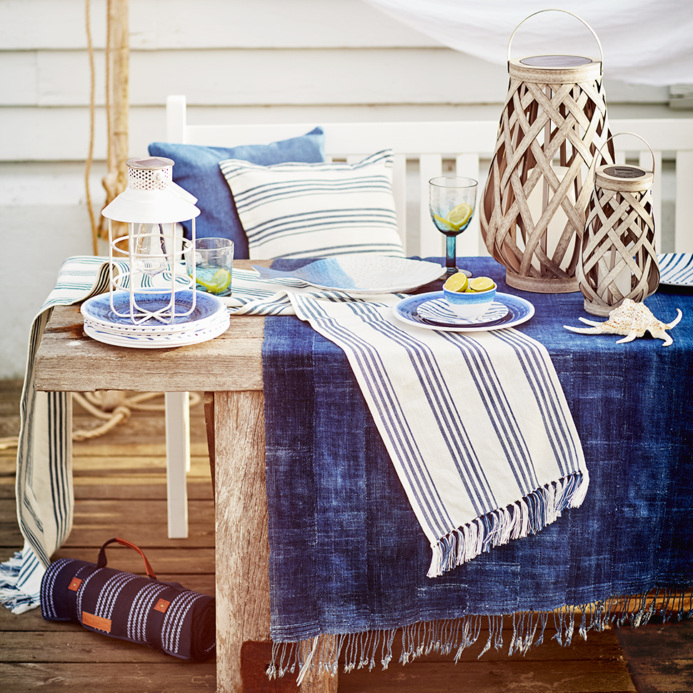 Give your al fresco dining a coastal-inspired twist