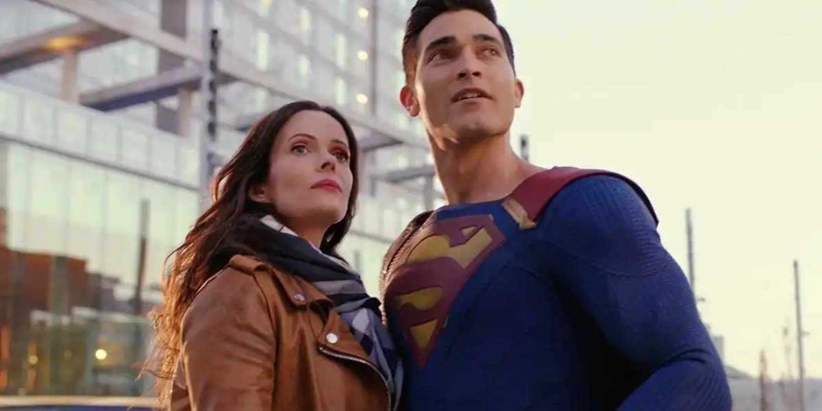 Elizabeth Tulloch and Tuler Hoechlin as Lois Lane and Superman
