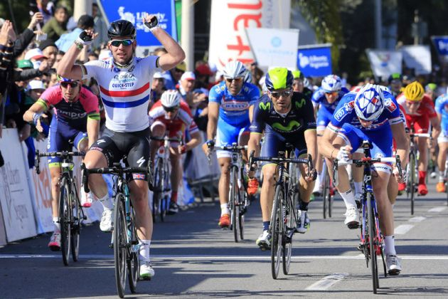 Mark Cavendish wins Stage Five of the 2014 Volta ao Algarve from FDJ's Arnaud Demare and Bryan Coquard (Europcar)